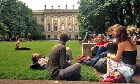 Berlin_humboldt_uni_studenten